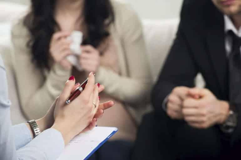 10 mitos sobre terapia de casal - o terapeuta favorece uma pessoa